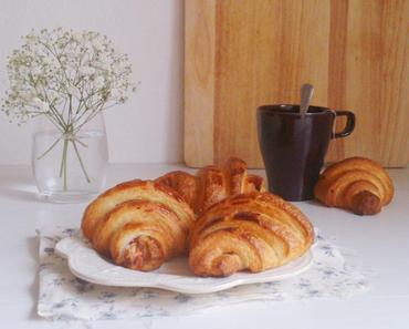 Croissants avec insert chocolat blanc-framboises