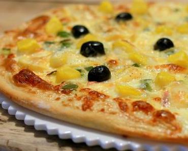 Pizza savoyarde - crème, reblochon, pommes de terre, poivrons & oignons