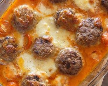 Boulettes de viande, sauce tomate et Mozzarella.