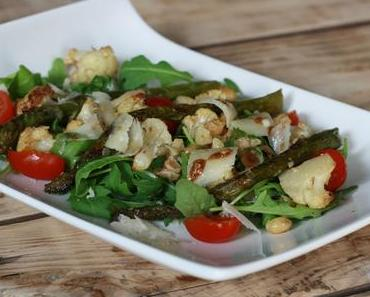 Salade de chou-fleur & asperges rôtis, noisettes grillées et parmesan
