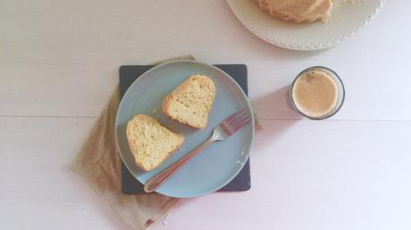 Gâteau aux blancs d'œufs-huile d'olive-orange