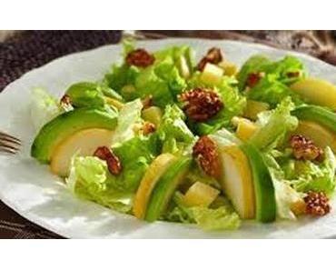Salade verte aux poires avocats et noix caramélisées