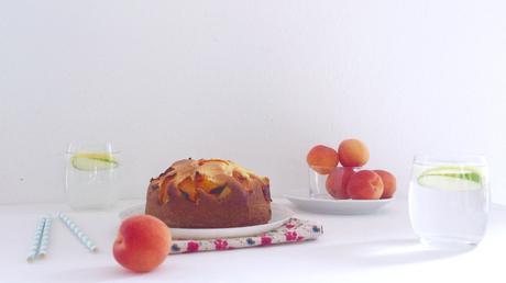 Gâteau aux abricots et fromage de chèvre (sucré)