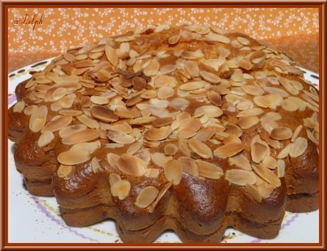 Gâteau aux amandes et confiture d'abricots maison