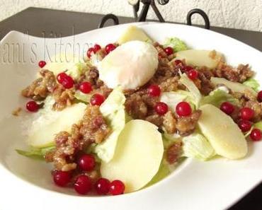 Salade pommes de terre, rillons landais, oeuf mollet et groseilles
