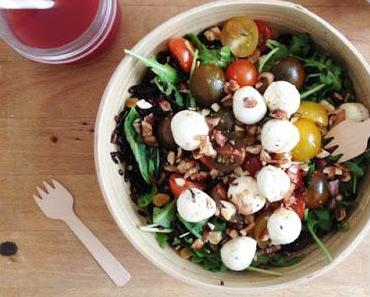 [Recette] Salade veggie au riz noir et billes de mozzarella
