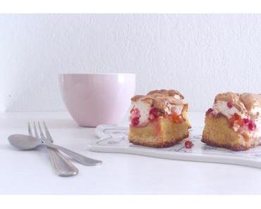 Gâteau aux abricots et groseilles meringué