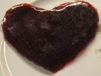 Coeur de fruits rouges en gelée