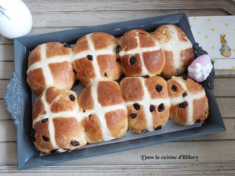 Hot cross buns - les brioches de Pâques / Easter hot cross buns
