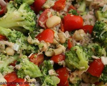 Salade de haricots blancs au thon et au brocoli