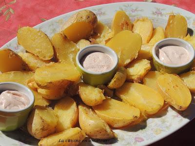 Pommes de terre au four et crème au paprika