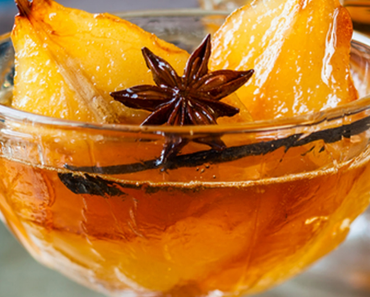 Poires pochées miel & cannelle