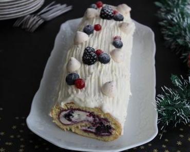 Bûche de Noël au chocolat blanc et fruits rouges