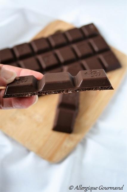 Chocolat cru à la noix de coco, bio, sans gluten, sans lait, sans oeufs