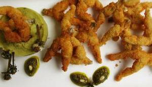 Cuisses grenouilles panées purée pommes terre boutons pissenlit leur pesto
