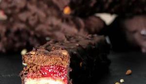 Barre chocolatée beurre cacahuète framboise