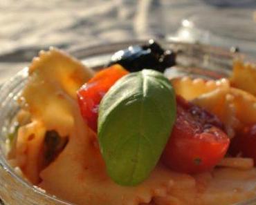Salade de pâtes aux olives à l'italienne