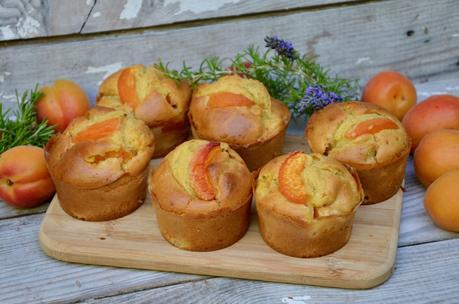 Cakes aux abricots au miel et romarin