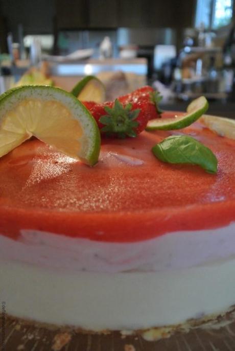 Bavarois citron  et fraises  – insert citron vert basilic