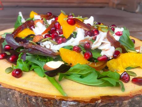 Salade de Poulet aux Supremes d'Orange ,Grenade et Dattes