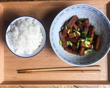 Je suis content – Tofu au caramel et au poivre (Đậu Hủ Kho Tiêu Chay)