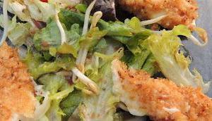 Salade mozzarella panée
