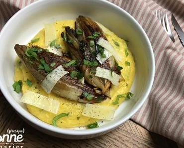Endives caramélisées et polenta crémeuse aux herbes, citron et pecorino