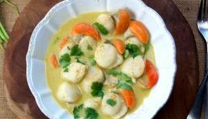 Nage Saint-Jacques curry doux