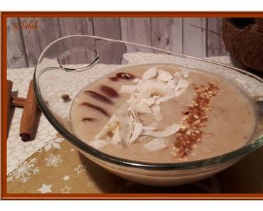 Smoothie bowl banane, dattes et coco