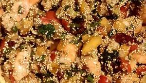 Salade quinoa, kakis, crevettes