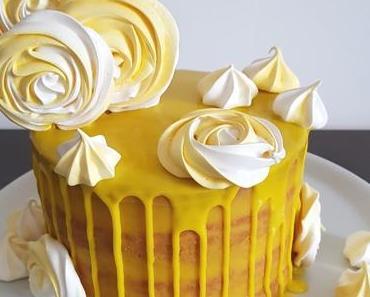 Nude drip rideau cake